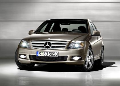 Mercedes_benz_w420_4.jpg