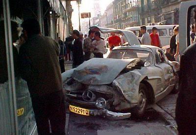 3Mercedes_Benz_SL_300_wreck_w400.jpg